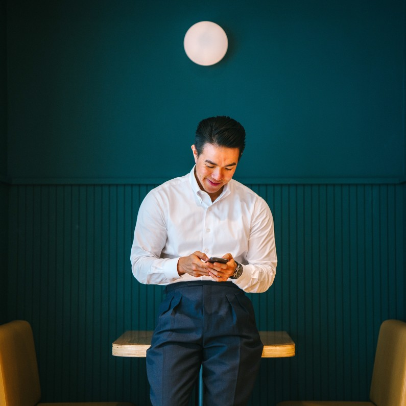 man holding black smartphone 1220757